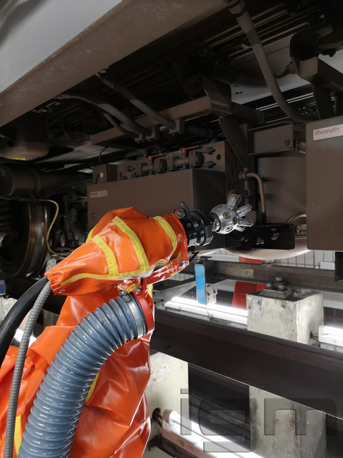 igm AP_cleaning robot_cleaning head@Wiener Linien (AT)_101819_007